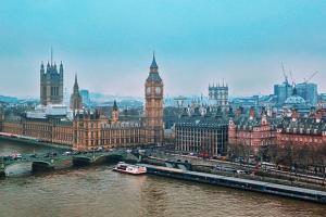 【英媒头条】英国6月21日照常解封? 更多专家开始呼吁延期、欧盟推出数字钱包、缅甸可能爆发内战