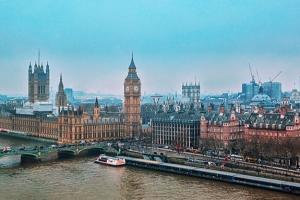 【英媒头条】以色列要变天了? 现任总理前盟友有望取代大位、英国即将更新旅游名单 首相: 必要时将毫不犹豫剔除危险国家