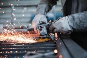 【钢铁政策直击】中国强化市场监管!钢铁进口价暴涨挤压利润 工信部抵制恐慌性购买 打击垄断和恶意投机