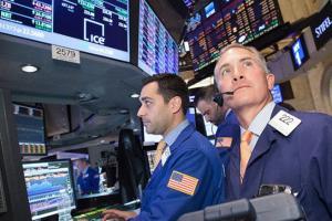 """重磅!美国一季度GDP初值增长6.4%低于预期 创下2003年三季度以来第二快增速 市场""""后知后觉"""":又暴动了?"""