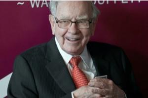 """""""股神""""开金口!巴菲特警告投资者不要在股票上赌博 巴菲特承认卖错股票 """"股神""""97岁老搭档芒格称比特币""""令人作呕"""""""