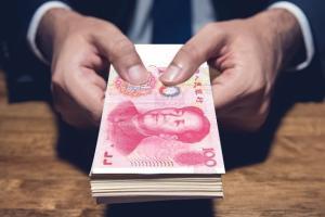 什么情况?赵薇夫妇遭知名金融机构起诉 名下多家公司股权被冻结